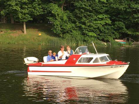 Saugatuck Mi Boat Rentals by Gotta The Early Risers Great Day Retro Boat