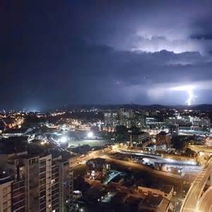 bureau of metrology brisbane bureau of meteorology warns more on the
