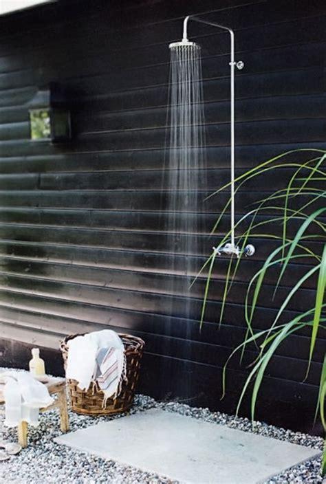 Dusche Für Den Garten by Die Dusche F 252 R Den Garten Solar Wie Wasserfall Und Mit