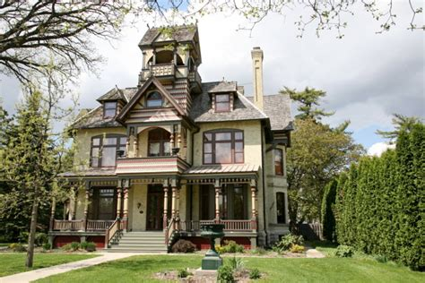 Haunted House For Sale - 7 real haunted houses for sale zillow porchlight