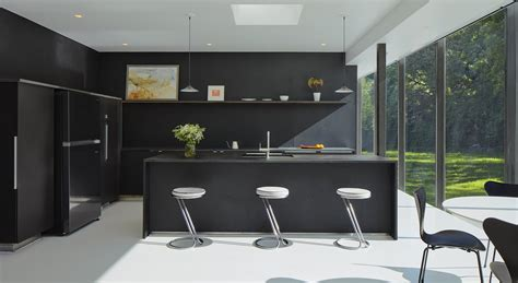 5 homes with sleek black kitchens