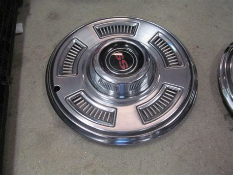 chevelle ss  nos hubcaps   king