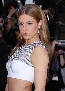 Adele Exarchopoulos: The Last Face Premeire at 2016 Cannes ...