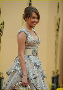 Full Sized Photo of miley cyrus 2009 oscars 14 | Photo ...
