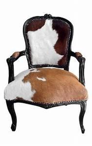 Fauteuil Peau De Vache : fauteuil le corbusier lc1 en peau de vache design les classiques pinterest le corbusier ~ Teatrodelosmanantiales.com Idées de Décoration