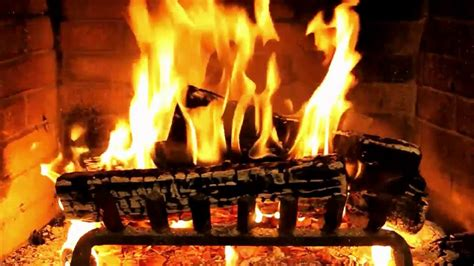 Free Animated Fireplace Wallpaper - animated screensaver of a fireplace with lovely crackling