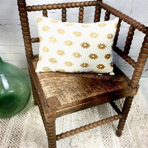 siege ancien ancien siège fauteuil d angle en bois tourné assise paille