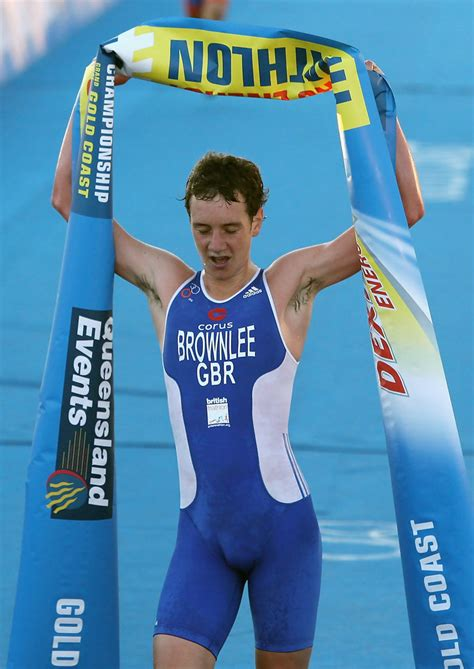 Alistair turning the legs over, first session back. Alistair Brownlee in 2009 Gold Coast ITU Triathlon World ...