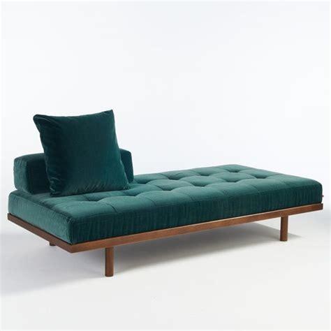 canapé de repos 1000 idées à propos de canapé turquoise sur
