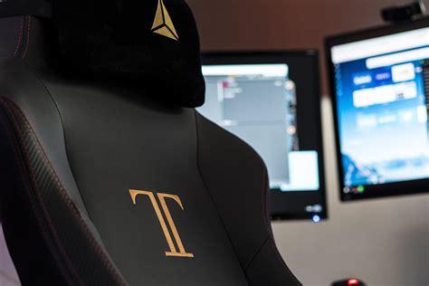 secretlab titan gaming chair review and giveaway