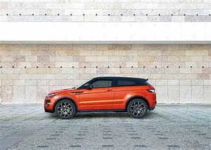 Land Rover Evoque 2018 : more power for 2018 land rover discovery sport and range rover evoque autoevolution ~ Medecine-chirurgie-esthetiques.com Avis de Voitures