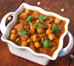 Easy Chana Masala Recipe - Holy Cow! Vegan Recipes