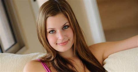 Beautiful Girls Pics World Debates Technology Info