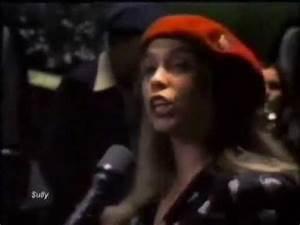 RICKIE LEE JONES '1979' - Chuck E's In Love - YouTube