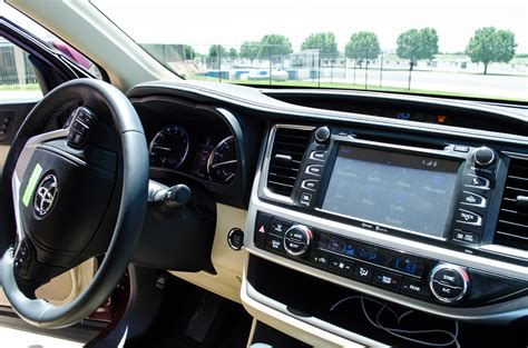 2014 Toyota Highlander Captains Chairs by Second Row Captain Chair Vehicles 2015 Autos Post