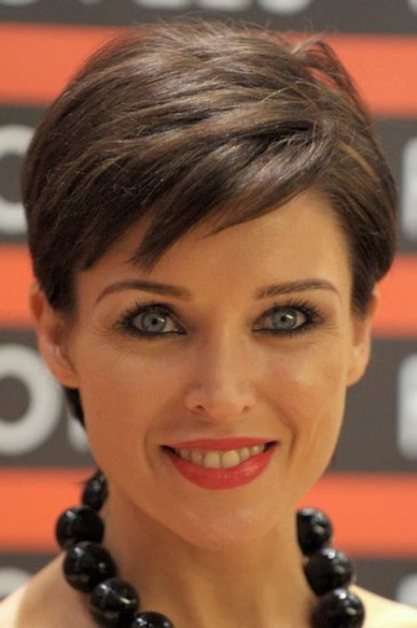short hairstyles   faces older women