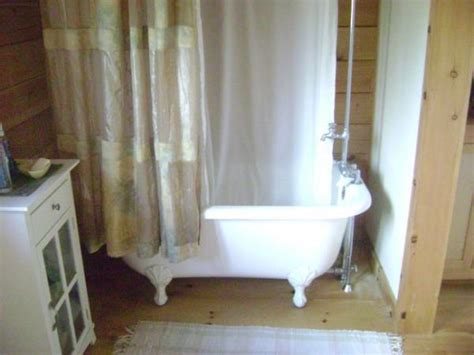 cottages in bath with tub best shower tub option for log cabin walls doityourself