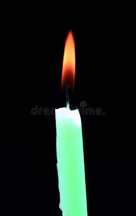 candela battesimale fiamma di candela simbolo di purezza fotografia stock