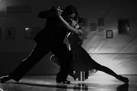 musique qui bouge pour soiree chanson pour danser lentement 30 propositions pour cr 233 er de l atmosph 232 re
