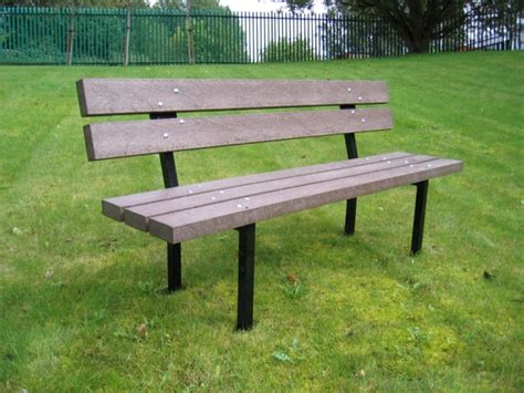 31 Fantastic Outdoor Benches Made Recycled Materials