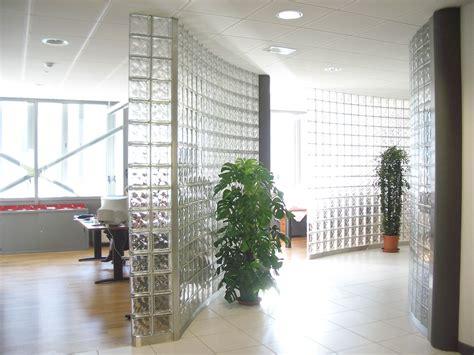 pared divisoria  ladrillos de vidrio modelo nube neutro