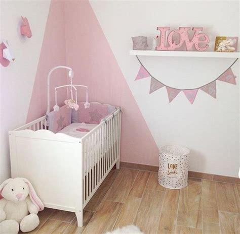décorer une chambre de bébé la décoration de chambre bébé en poudré de léna