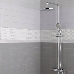 Accrocher Sans Percer : fa ence mur violet aubergine astuce x cm ~ Premium-room.com Idées de Décoration