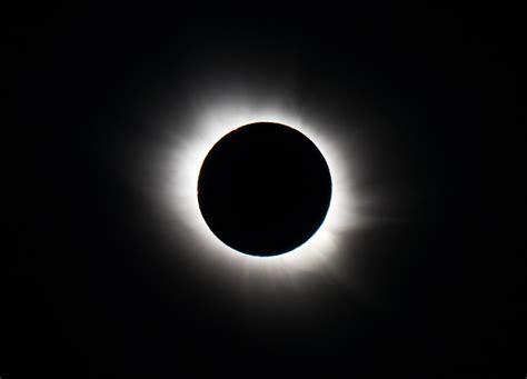 photograph   total solar eclipse