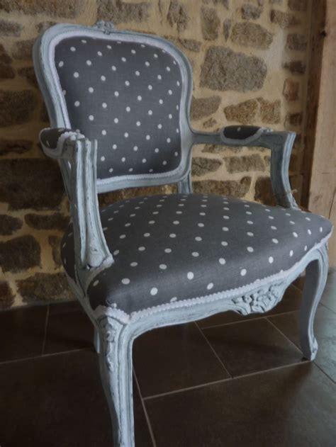 peinture tissu canap peindre un fauteuil en tissu 28 images les secrets de