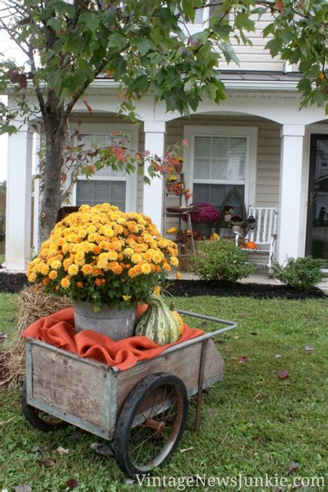 Front Yard Garden Decoration by Amazing Fall Front Yard Decorations That Will Fascinate You