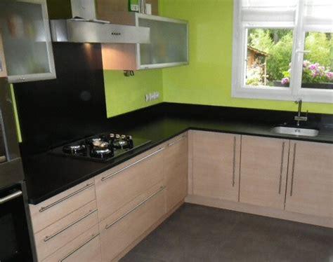 plan de cuisine en l cuisine plan de travail de cuisine moderne fonc en granit