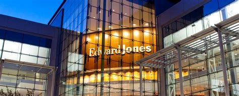 Edward Jones makes unexpected leap into proprietary products