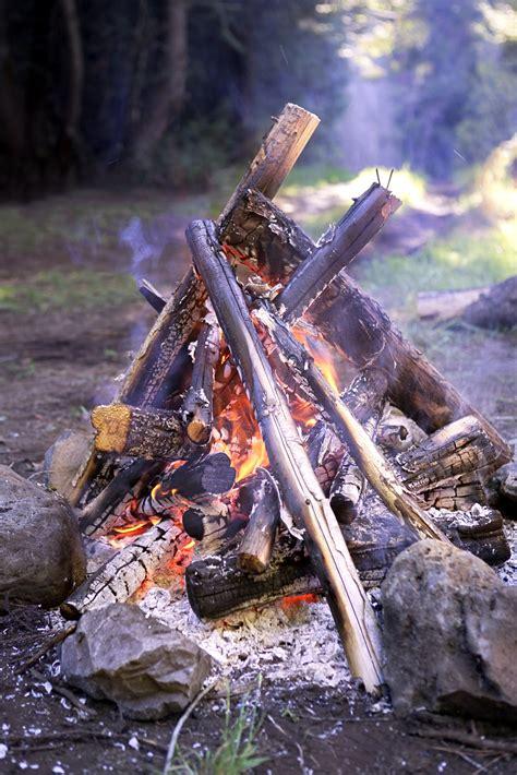 fake campfire centerpiece ehow