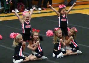 Youth Cheerleading Stunts