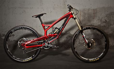 Robbie Bourdon's 'red Bull Rampage' Kit