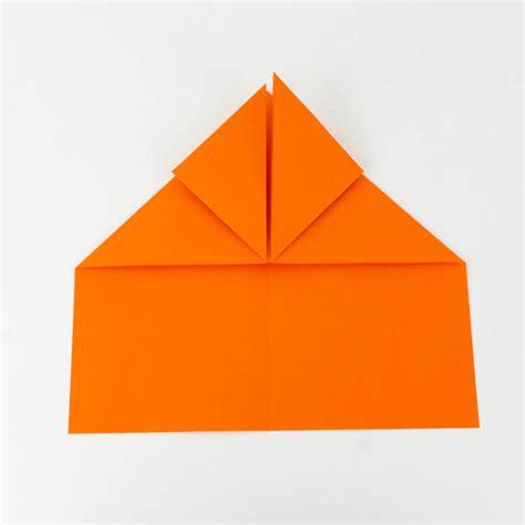 wie bastelt einen papierflieger papierflieger anleitung 23 38 einfach basteln
