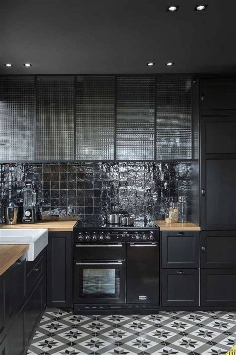 carrelage noir cuisine cuisine noir cuisine placards inspiration