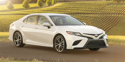 Toyota Camry Hybrid Picture by 2018 Toyota Camry Hybrid Review Caradvice