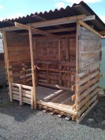 Construire Un Abris De Jardin Avec Des Palettes by Abri Construit Avec Du Bois Recycl 233 Meuble En Palette