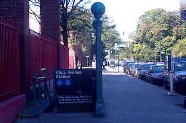 utica avenue subway stop  hotspot  phone theft police