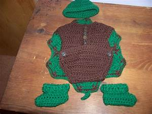 Free Crochet Pattern For Newborn Turtle Outfit ~ SquareOne ...