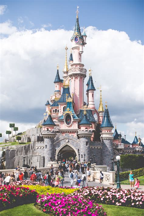 Tips And Tricks For A Successful Trip To Disneyland Paris