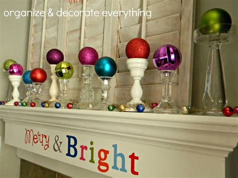 creative ways  decorate  home  christmas baubles