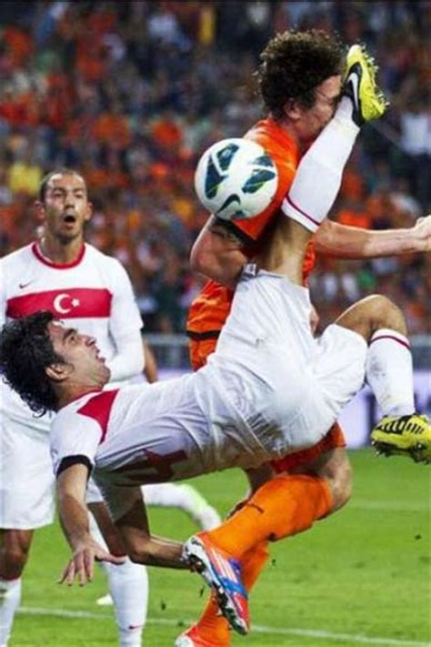 Top 10 Perfectly Timed Sports Photos Ever