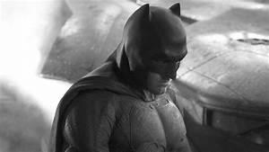 Ben Affleck Batman First Look! - YouTube