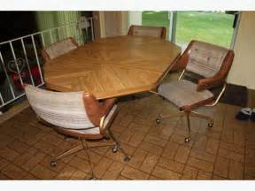retro kitchen table and 4 chairs saanich victoria