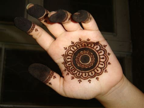 Arabian Mehndi Designs: Simple Mehndi Design