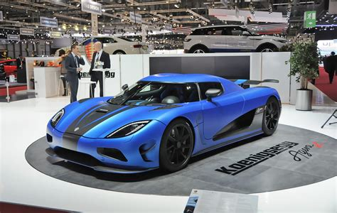 koenigsegg agera r black top speed the koenigsegg agera r has 1140 hp and a top speed of 273