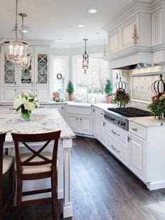 how to clean kitchen cabinets pandora peaks she s lop sided what the 8577