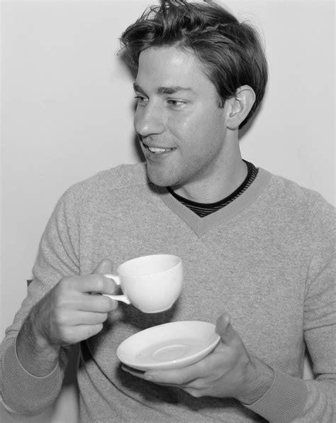 Actor john krasinski rose to fame as jim halpert on the hit sitcom 'the office.' born on october 20, 1979, in newton, massachusetts, john krasinski is best known for playing jim halpert on the hit. 40 Cool style John Krasinski Haircut 2018 - New Haircut Style